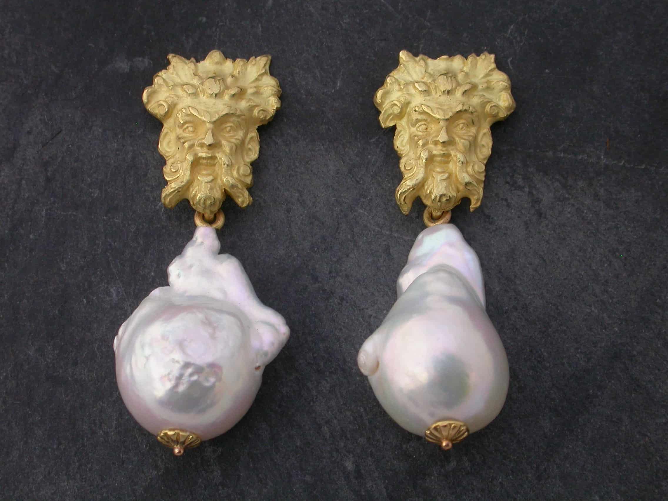 Unique earrings poseidon, pearls, 18 ct gold
