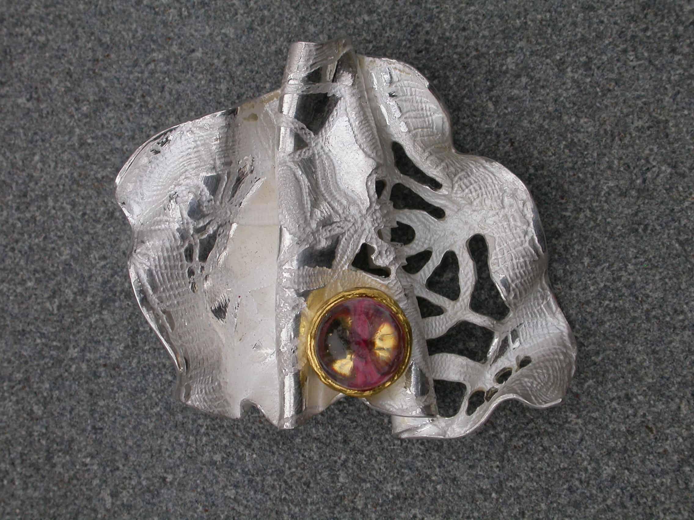 Unique brooch, quartz, fine silver, 18ct gold