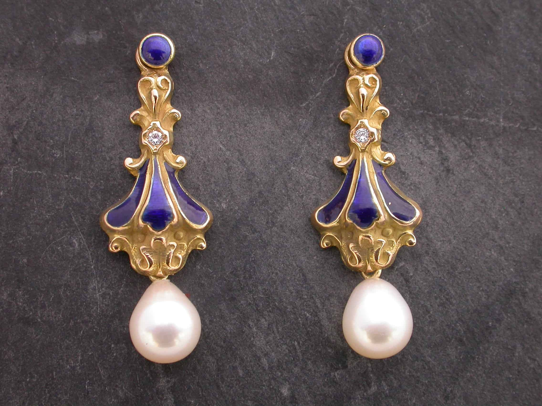 Unique earrings, pearls, diamonds, 18ct gold, enamelled