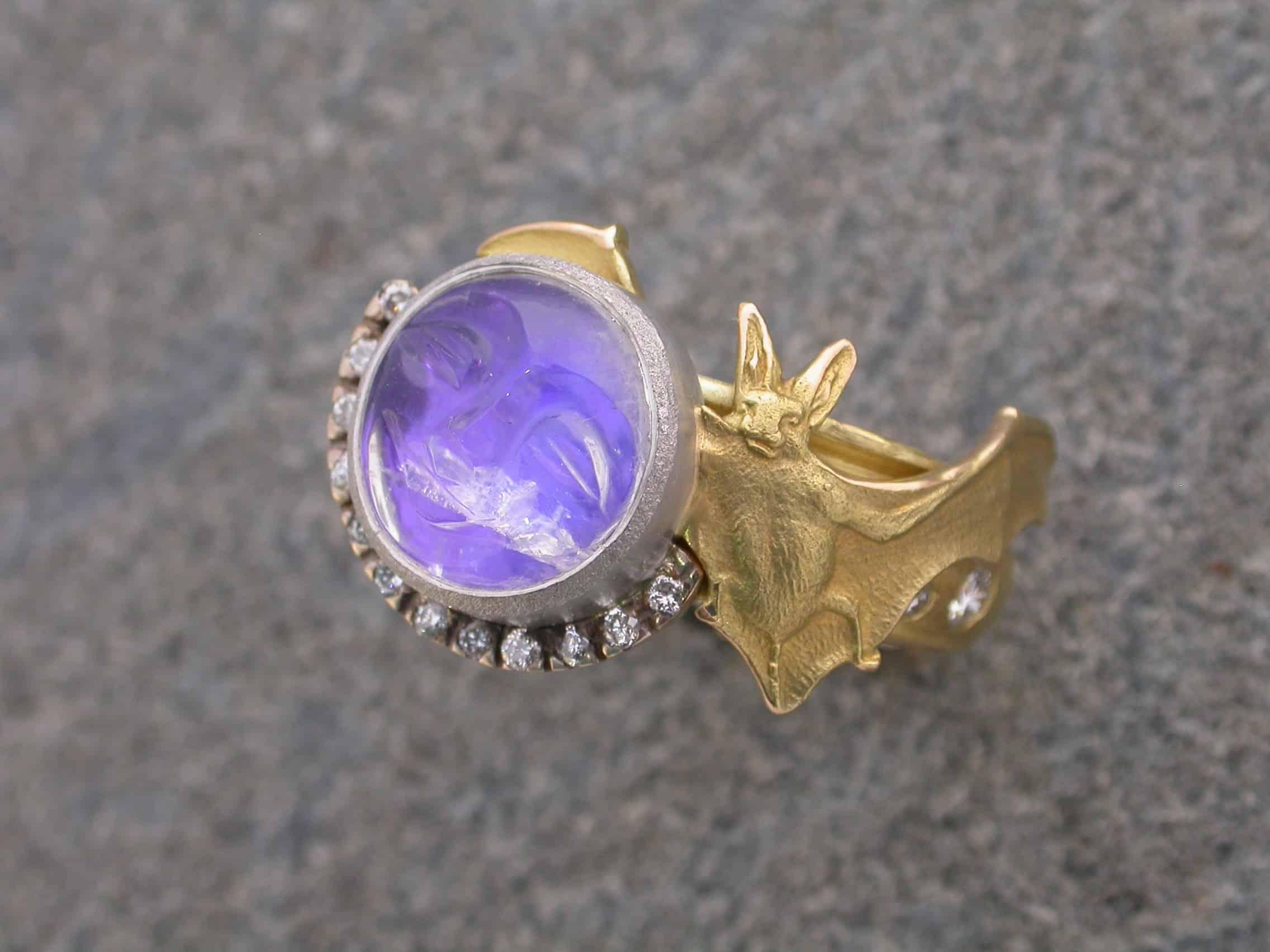 Unique ring bat, 18ct gold, platinum, diamonds, labradorite