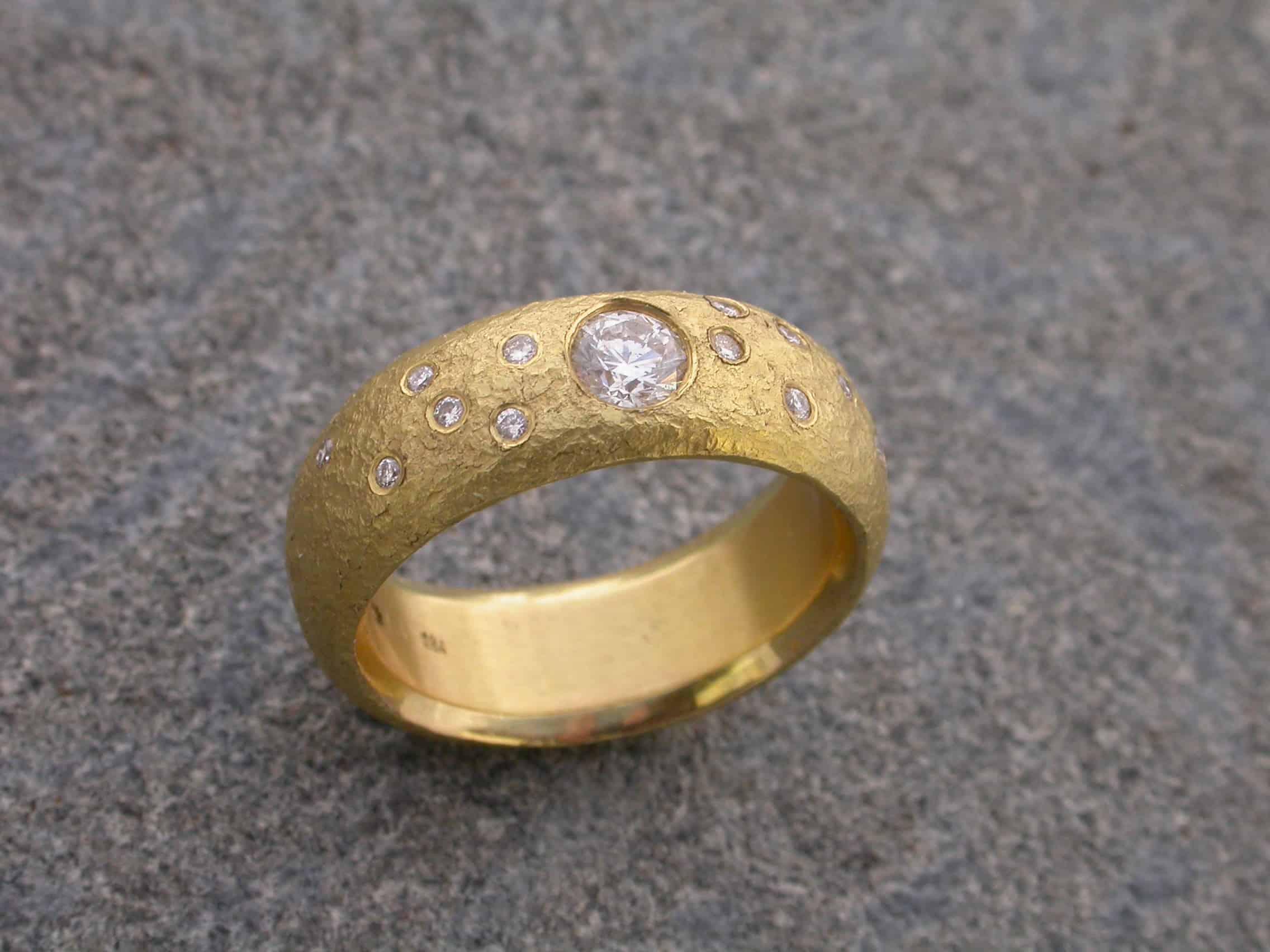 Unique ring, diamonds, 18ct gold