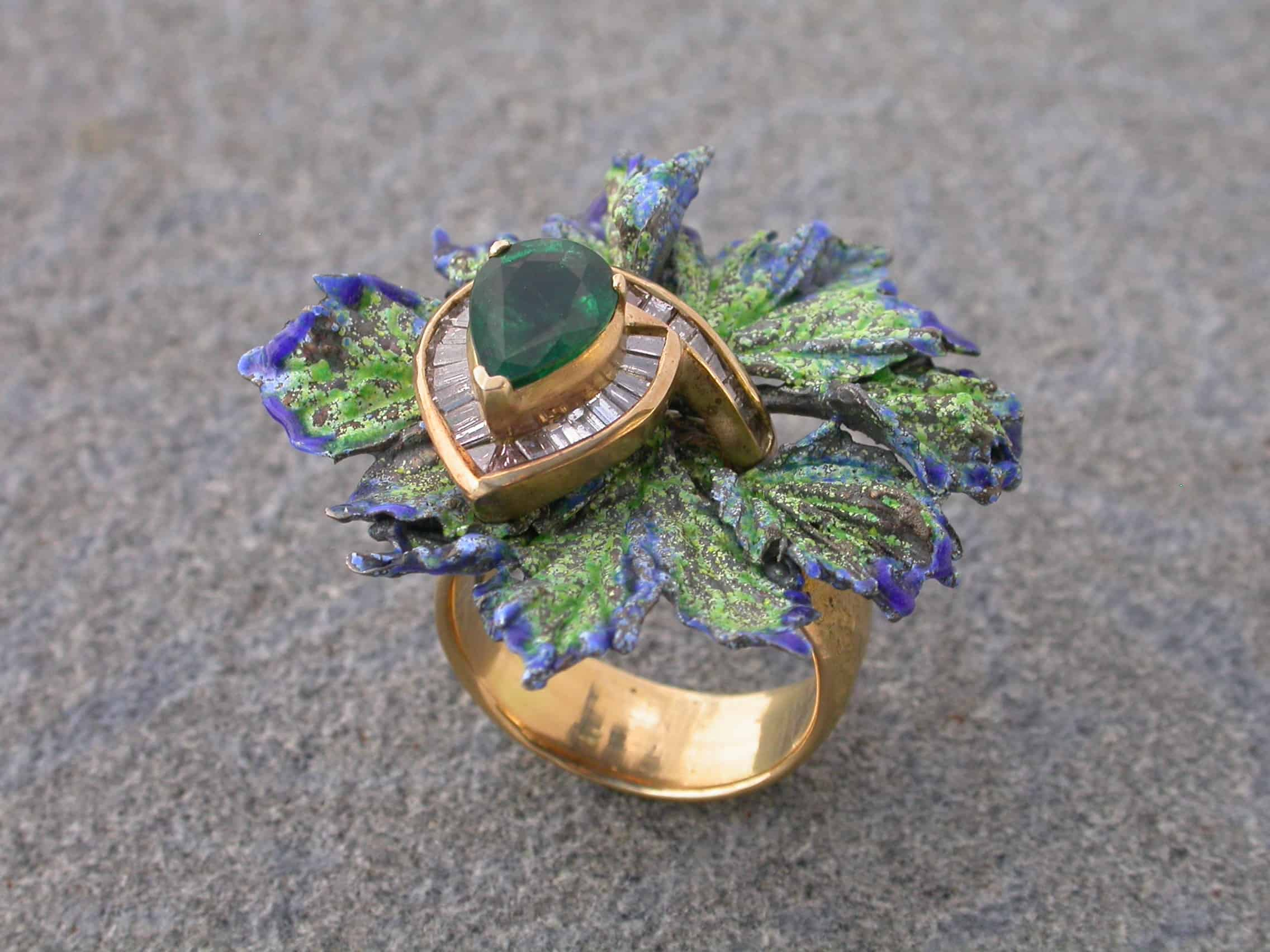 Unique ring with emerald, diamonds, sterling silver, 18ct gold, enamelled